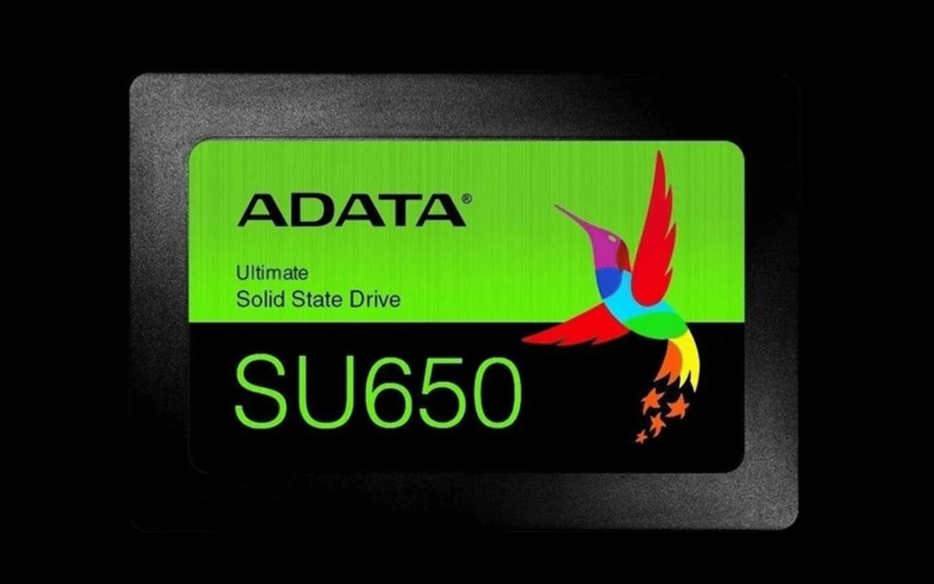 SSD da Adata na horizontal.