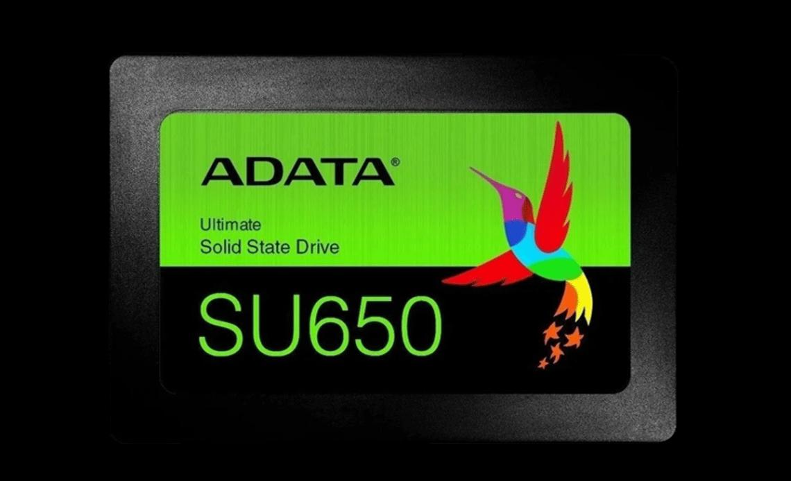 Demonstração de uma das linhas de SSDs, modelo ADATA SU650.